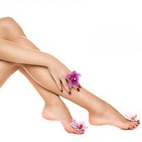 Healthy-female-Legs-Spa-Long-54338057.jp