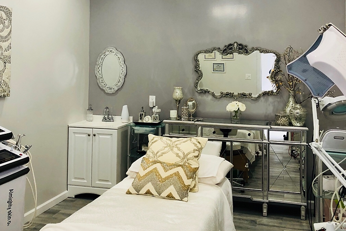 de Hita Skin Care & Med Spa in Humble TX Fall Creek offer Facials, Microdermabrasion, Microneedling
