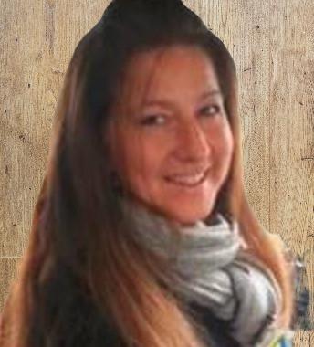 Travel Host - Yvette Crossley