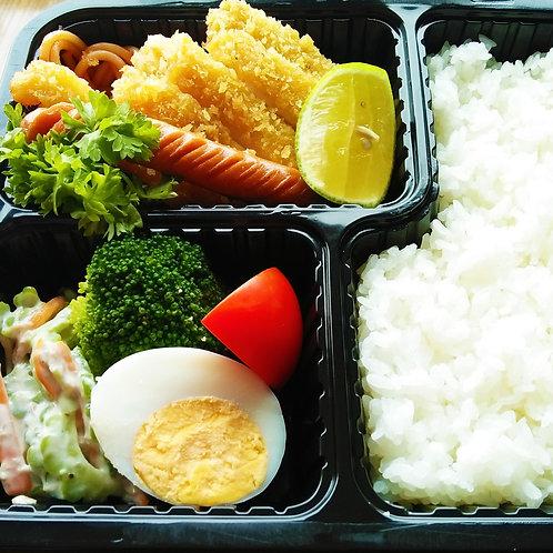 3月1日(金)柔らかチキンカツ弁当 + 味噌汁