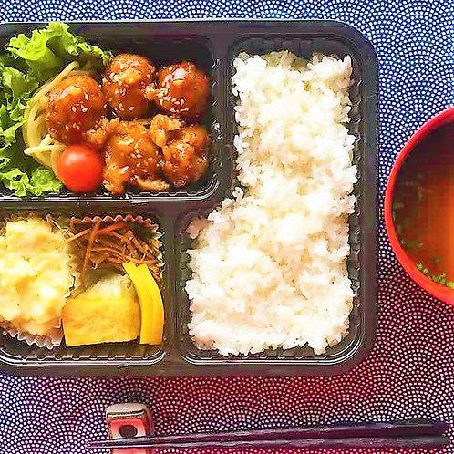 10月25日(木)れんこん肉団子弁当 + 味噌汁