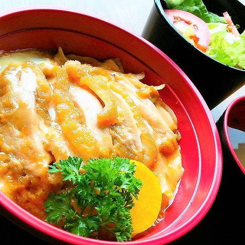 11月05日(月)地鶏カツとじ丼 + サラダ + 味噌汁