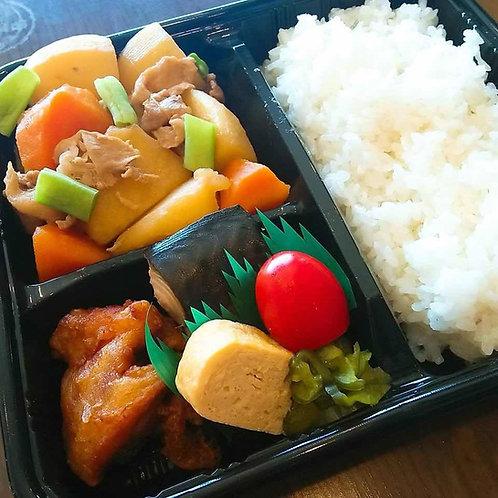 5月31日(金)鯖塩焼きと肉じゃが弁当 + 味噌汁