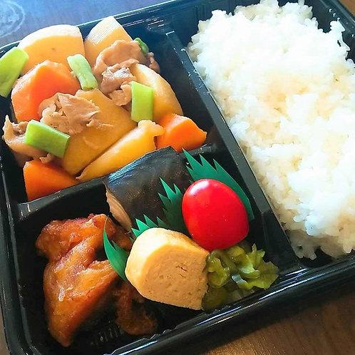 7月23日(火)肉じゃがと鯖幽庵焼き弁当 + 味噌汁