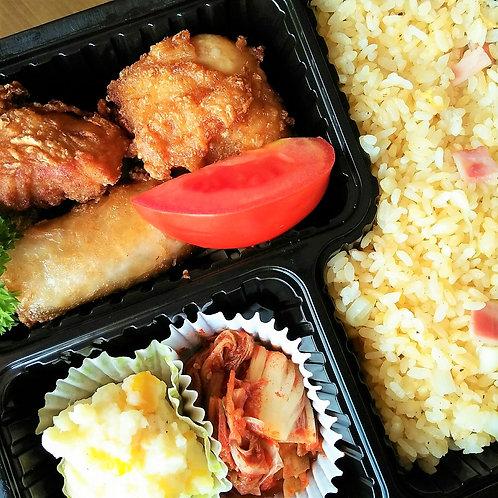 11月27日(火)唐揚げチャーハン弁当 +味噌汁