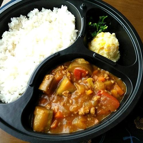 1月25日(金)茄子キーマカレー + サラダ