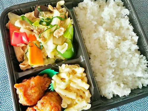 12月6日(木)たっぷり五品目野菜炒め弁当+ 味噌汁