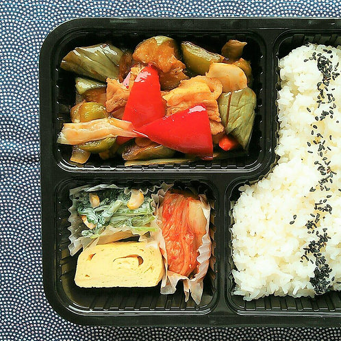 8月27日(火)甘辛!コクうま!豚と茄子の味噌炒め弁当 +味噌汁