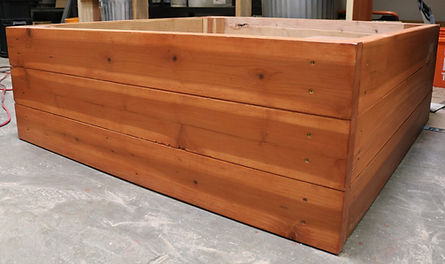 thrive and grow gardens, raised garden beds, raised bed gardening, economy bed, economy 4x4, redwood garden bed, redwood bed, redwood raised garden bed