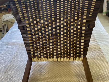 とおの屋要の肘掛け椅子の修理