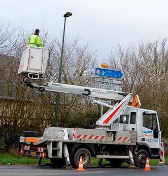 réparation éclairage public en camion nacelle dansle département de l'eure