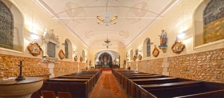 église chauffée par lustre infra rouge