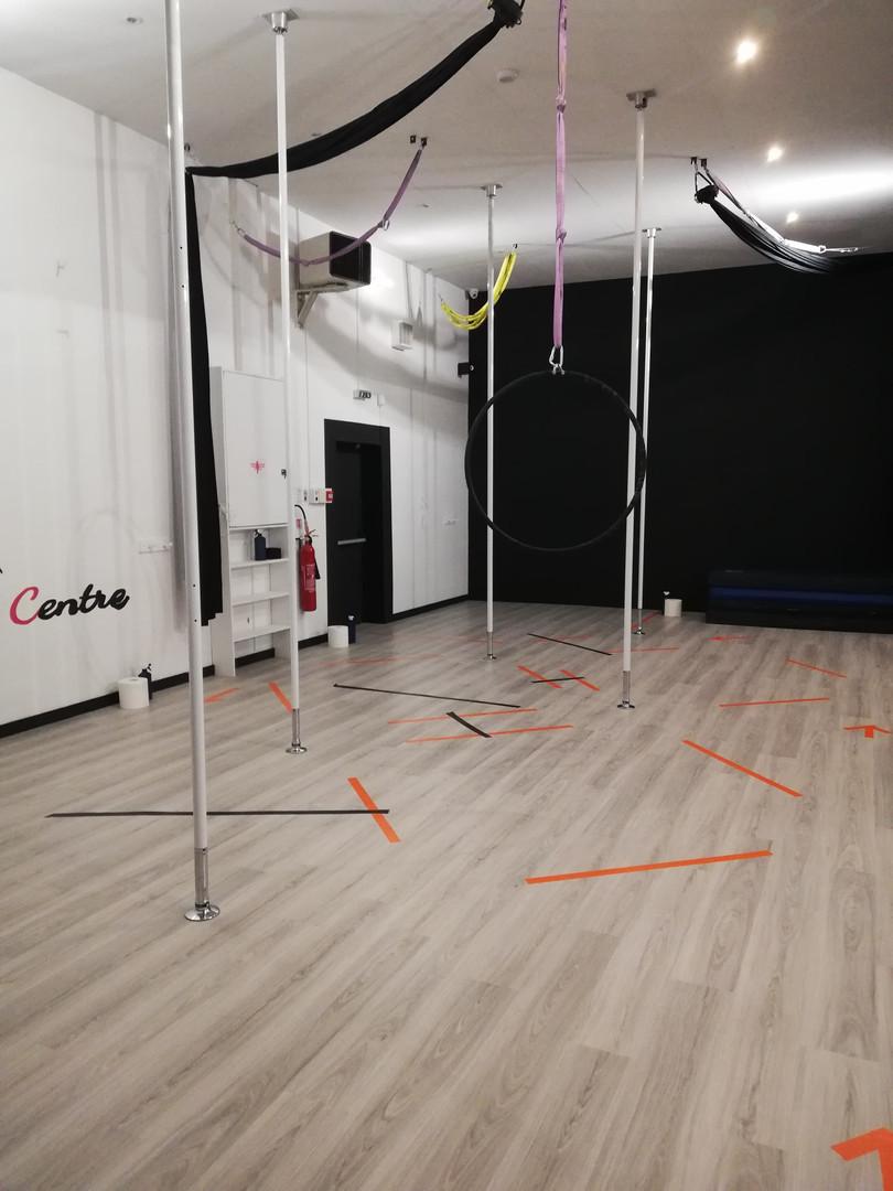 Salle noire (pole dance et aérien)