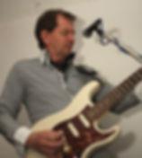 Harry Zomerhuis : gitaar