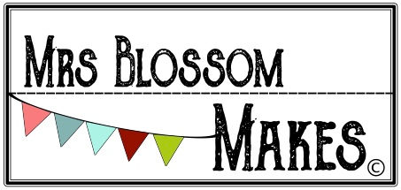 Mrs Blossom Makes craft workshops for children and families in Hampshire and the surounding area.