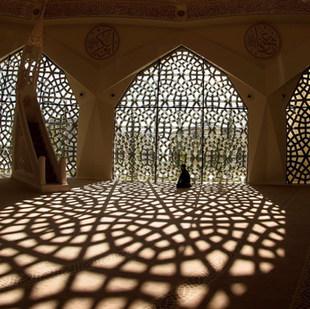 Modlil v mešitě