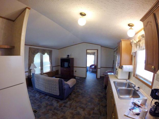 Kinkaid Cabins - Kitchen & Living Room