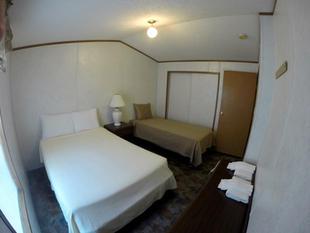 Kinkaid Cabins - Bedroom 2