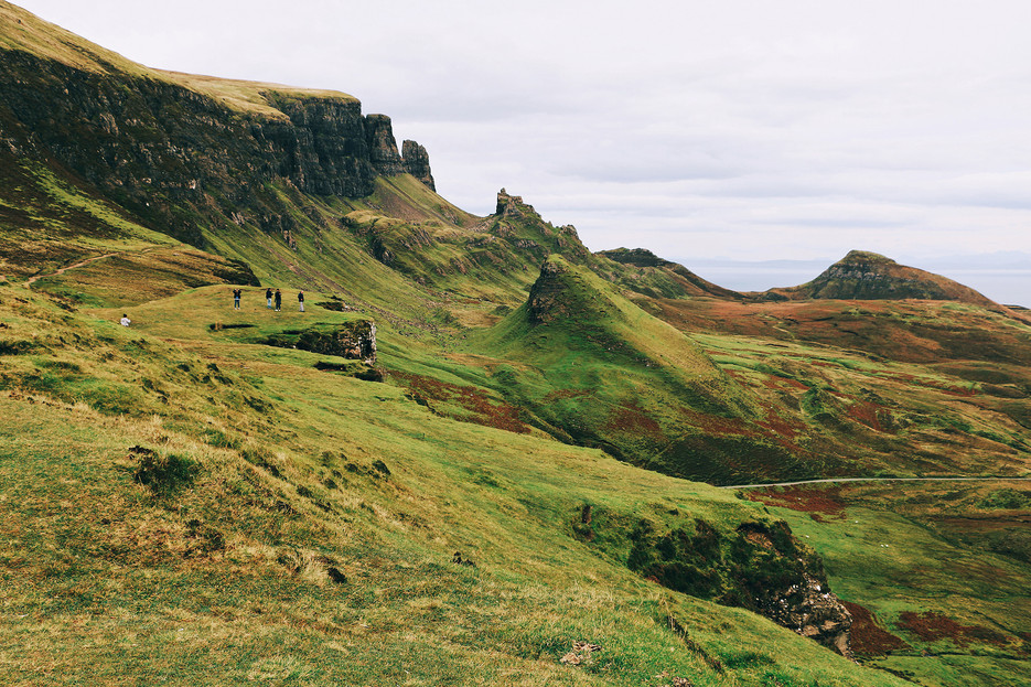 Scotland-UK-Skye-quiraing-field.jpg
