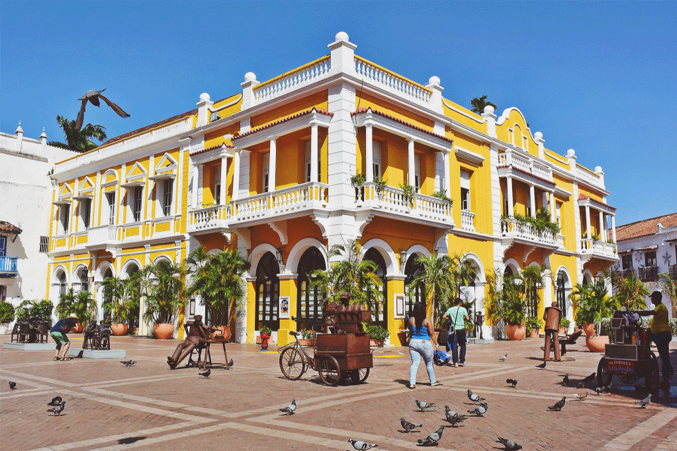 colombia-cartagena-old-town-building.png