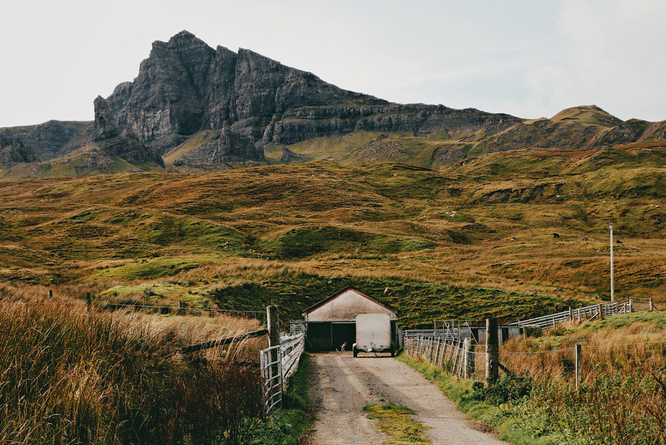Scotland-UK-Skye-Old-Man-Storr-farm.jpg