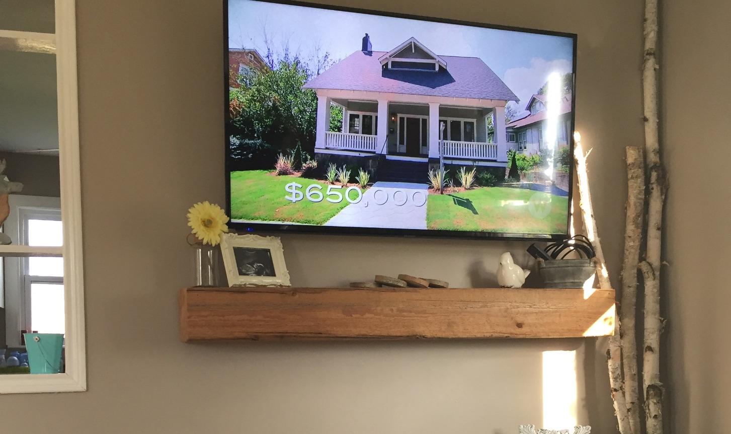 Mounted TV w Hidden Wires