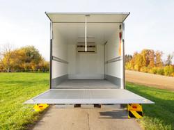 Kühlfahrzeug mit Hebebühne