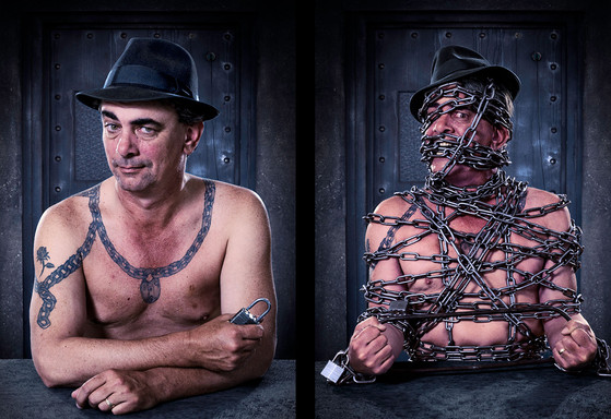 Tony Roberts - Escapologist