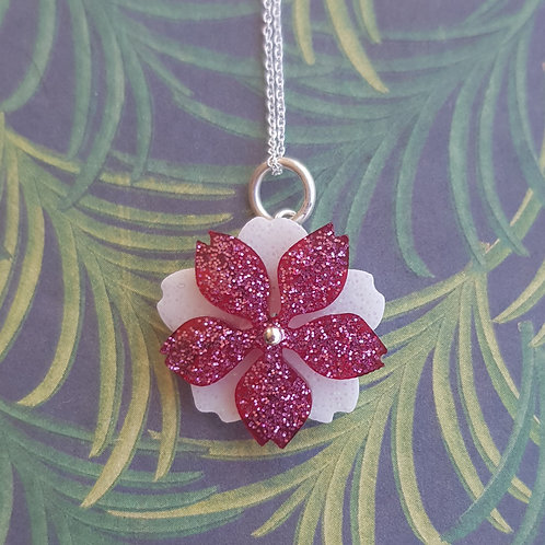 Small Moving Flower Pendant