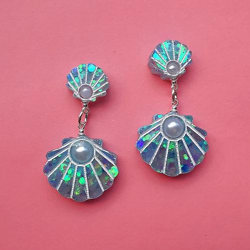 Statement shell earrings
