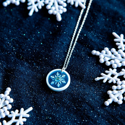Let it glow - small blue pendant