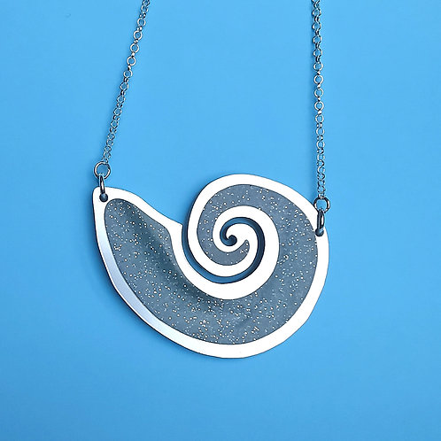 Glowing Shell necklace
