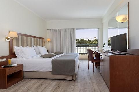 2. Room Plaza.jpg