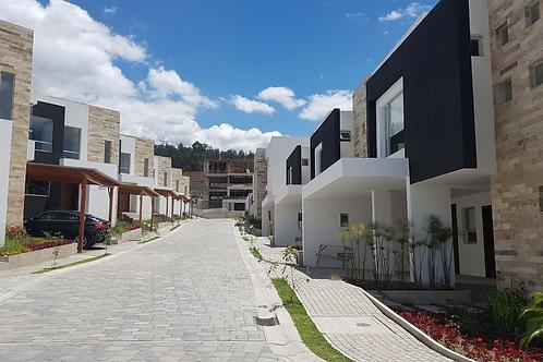 Casa Conjunto Exclusivo San Juan De CUMBAYA 3H