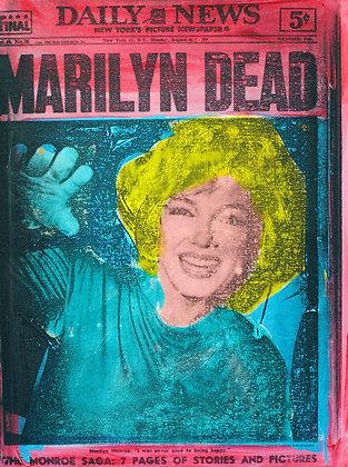 Marilyn Dead Red