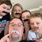 Party of 5 entry for 'Tom Selleck'