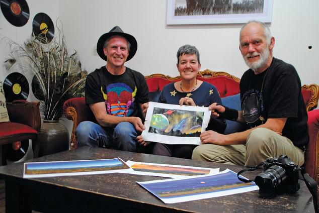 Steve, Vivian & Jacob Photo courtesy of Coonabarabran Times
