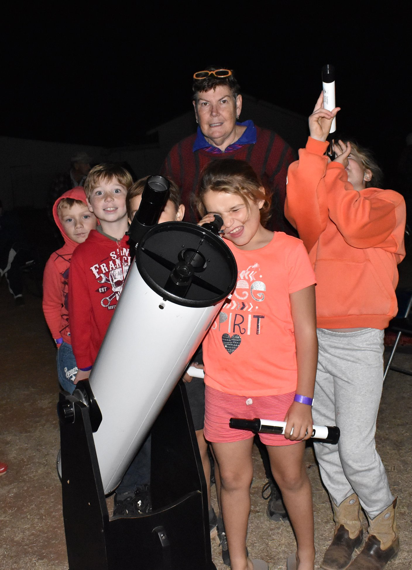 Milroy - Star gazing with Donna the Astr