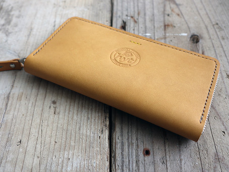 新作の海外用長財布