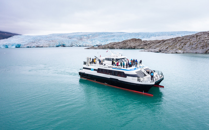 Aurora-Explorer-Svalbard-Glacier-DJI_017