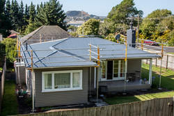 Re-roof scaffold edge protection