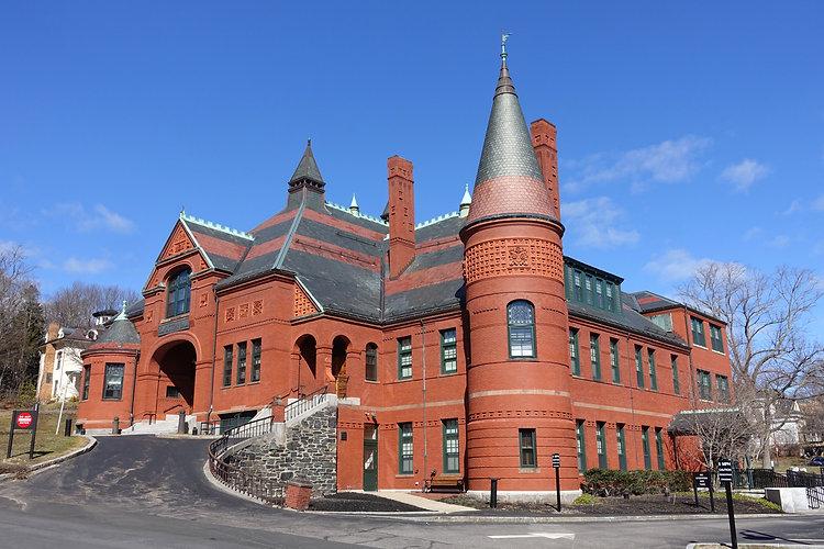 Belmont_Town_Hall_-_Belmont,_MA_-_DSC078