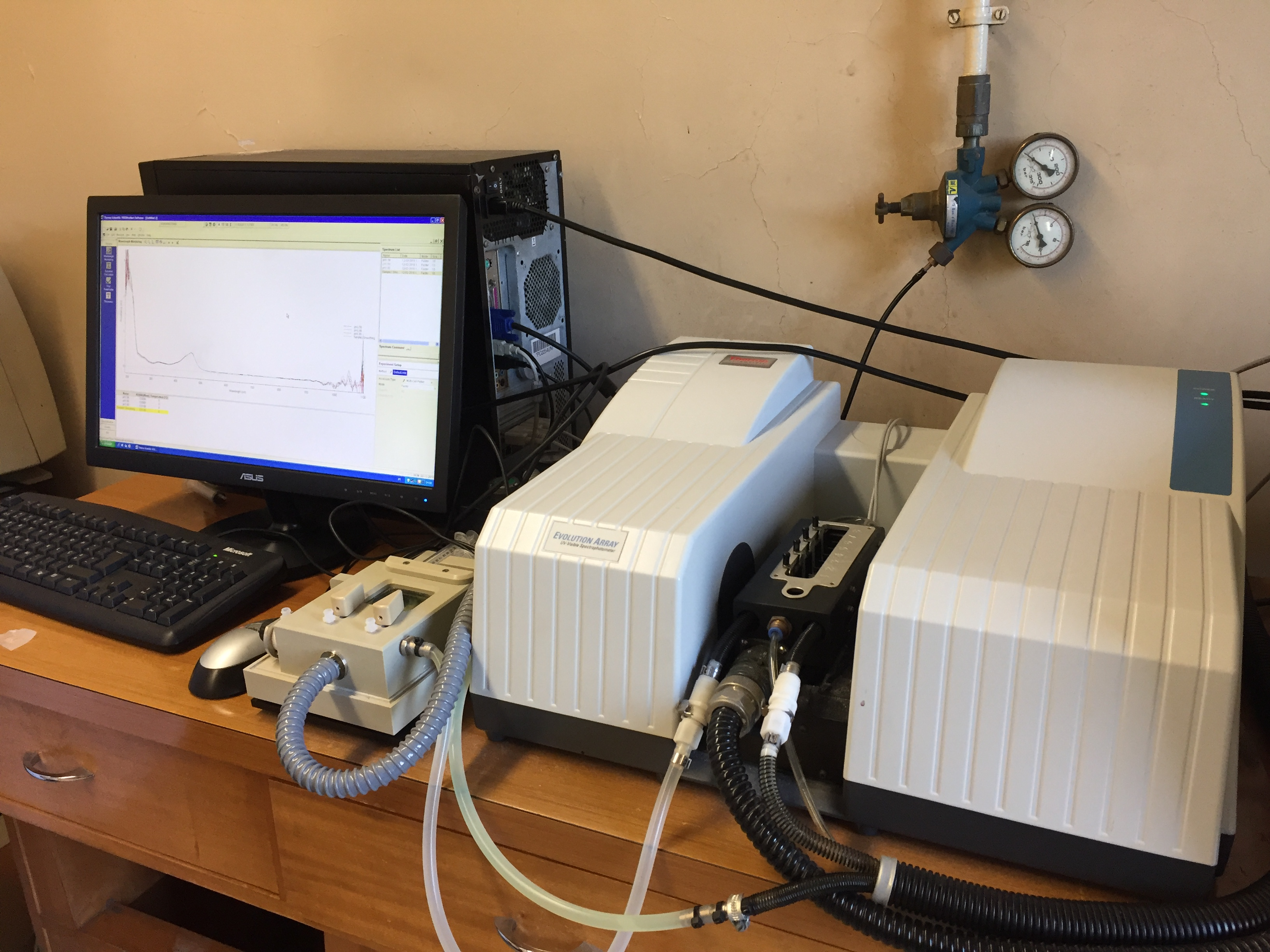 UV-Vis Evolution Spectrophotometer
