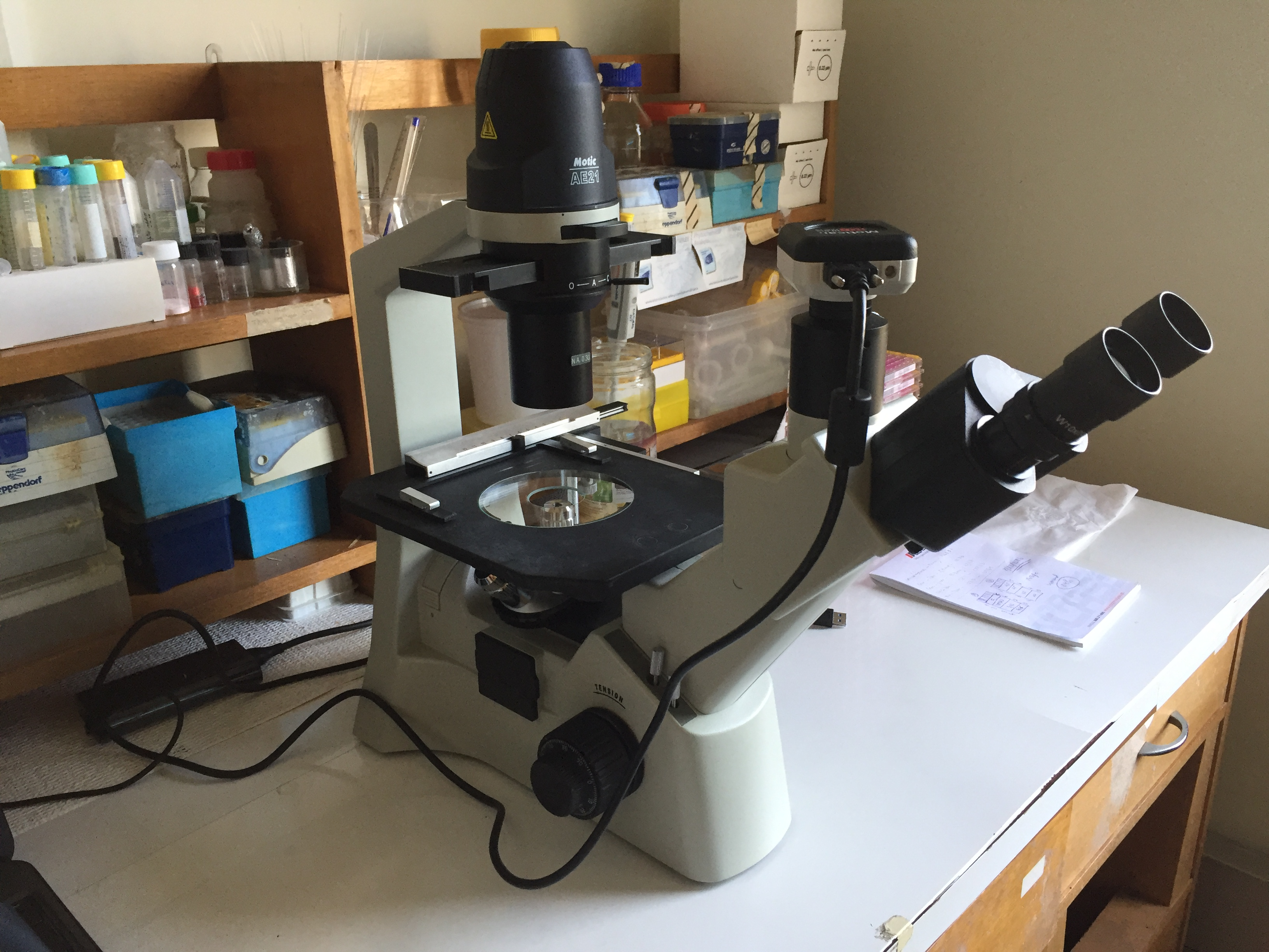 Inverted Field Optic Microscope