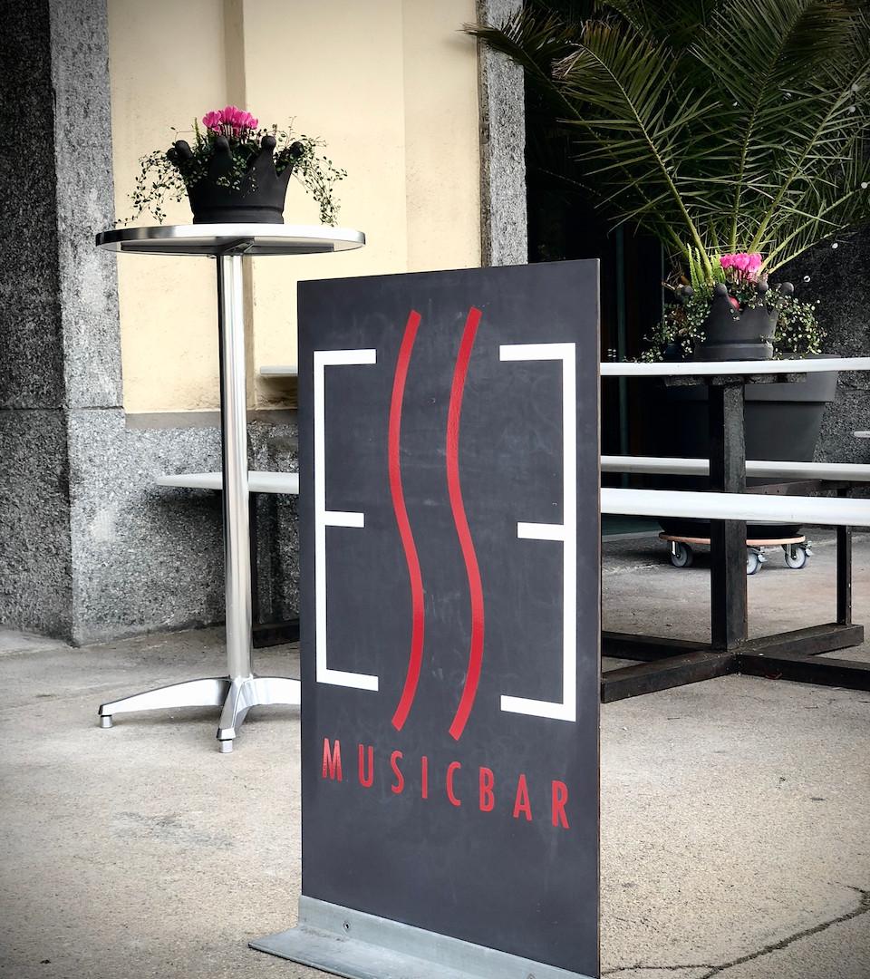 Beschriftung Tafel Esse Musicbar, Winterthur