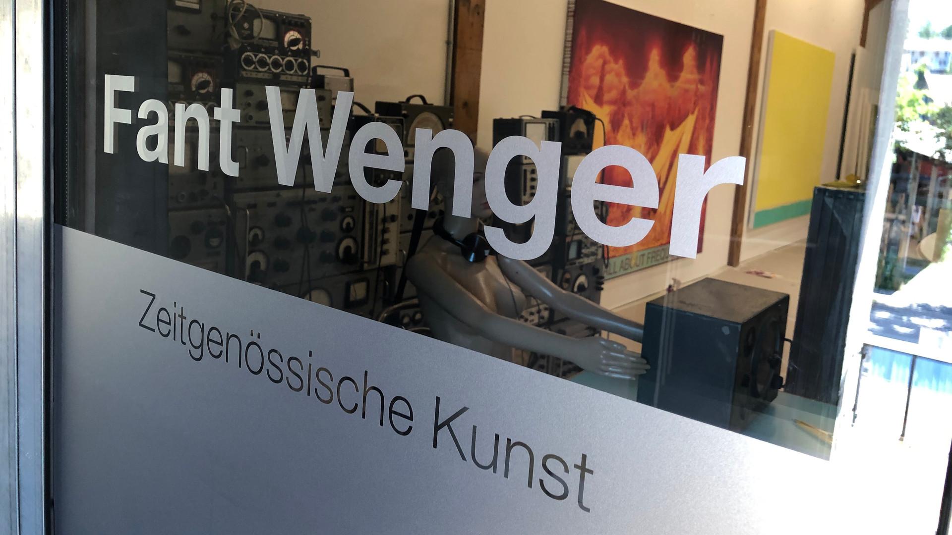 Glastürbeschriftung im Zeughaus1, Fant Wenger