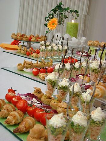 Buffet cocktail vert anis  Celtic-evenement traiteur événementiel mariage rennes
