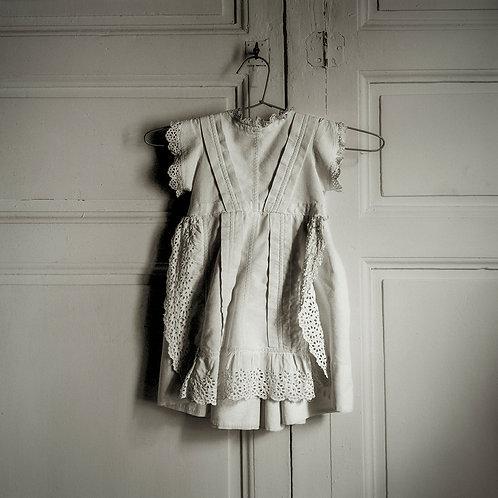 Mel Curtis | Donna's Dress, Nemours | Photography | 1st Place