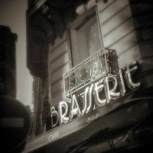 Mel Curtis | Brasserie #2, Paris | Photography