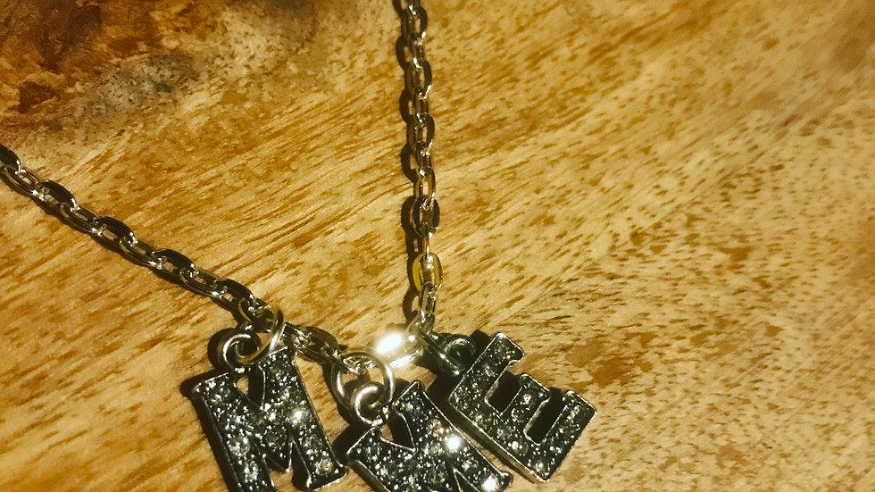 M.M.E. Silver Ladies Chain W/ Pendent